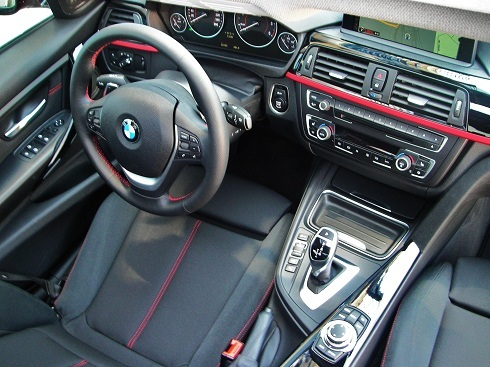 BMW-320-Kabin_BMW-320D_BMW-320Dizel_BMW-320-Test_Dizel-Test_otomobiltutkunu_Yeni-BMW-320-Dizel-Test_İstanbul-Park_BMW-320-Dizel_Dizel-Otomatik