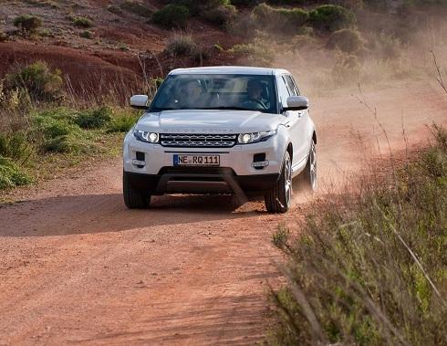 Range Rover Evoque_ Goodyear EfficientGrip SUV_OFFROAD_2012