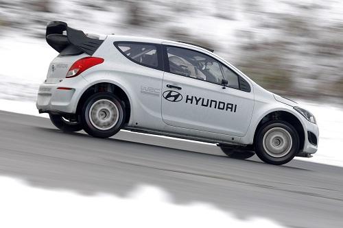 Hyundai i20 WRC_Hyundai WRC_Michel Nandan_otomobiltutkunu_WRC 2013_Hyundai 2013