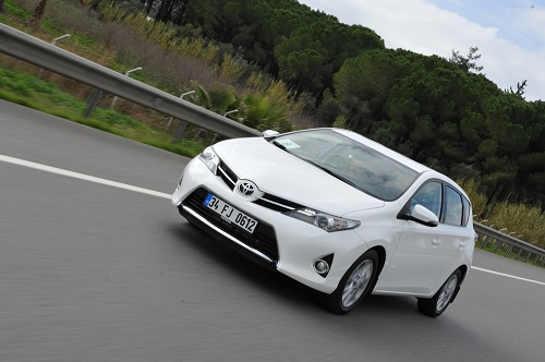Yeni Auris_Toyota Auris_otomobiltutkunu