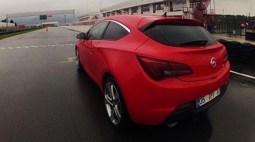 Yeni Opel Astra GTC_spor coupe_Opel Astra GTC_Astra Test_GTC Test_Opel Astra Test_otomobiltutkunu_2013 Yeni otomobil_Opel haberler_en son testler