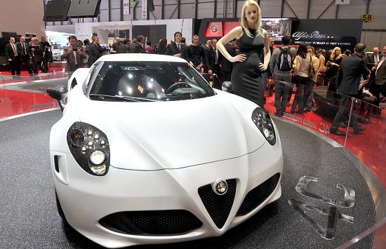 Alfa Romeo 4C_otomobiltutkunu_Cenevre Autoshow_2013 Alfa Romeo_Alfa Romeo_Yeni Alfa Romeo