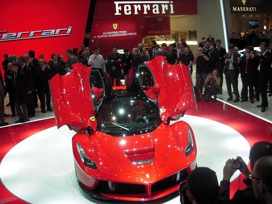 LaFerrari_otomobiltutkunu_Special Limited Series_Enzo