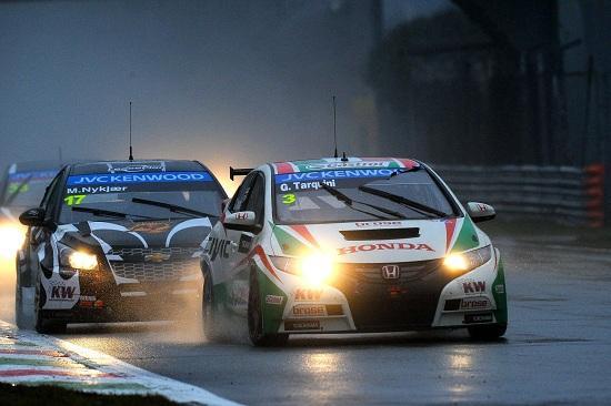 Honda Civic WTCC_Tarquini_otomobiltutkunu_Castrol_Honda Castrol