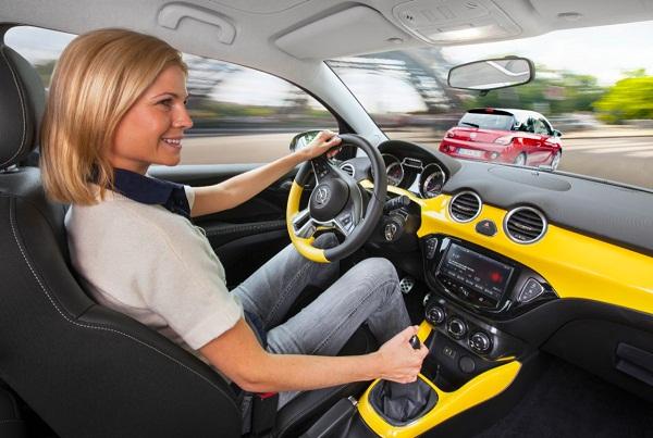 Opel-ADAM-IntelliLink_otomobiltutkunu_Opel Adam Image_Opel Adam Pictures_Opel Adam Test_Opel Adam Fiyat_Opel Adam Bilgi_Opel FlexDock_Siri Eyes Free_Apple iOS