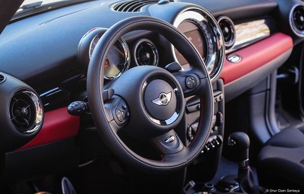 MINI Cooper Test_MINI John Cooper Works Test_MINI John Cooper Works  automatico_Fotogramma MINI John Cooper Works _Nuova MINI John Cooper prezzo