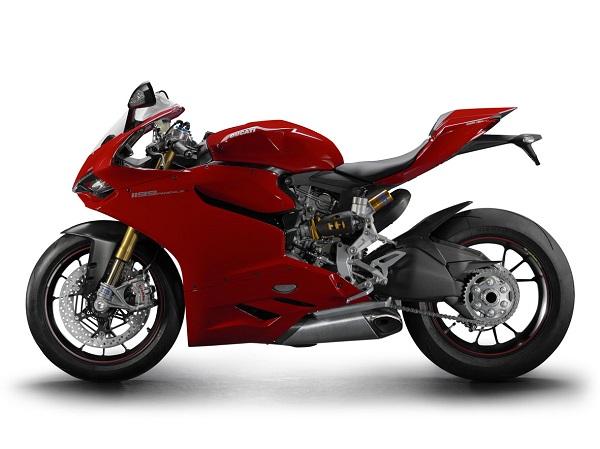 Power1 Racing_Castrol_Ducati_Castrol Türkiye_otomobiltutkunu_BMW - Motorrad_Harley Davidson_KTM_Ferco Motor_Vespa_Piaggio_Gilera_Aprilia_Moto Guzzi_Derbi_Ducati_MV Agusta_Triumph