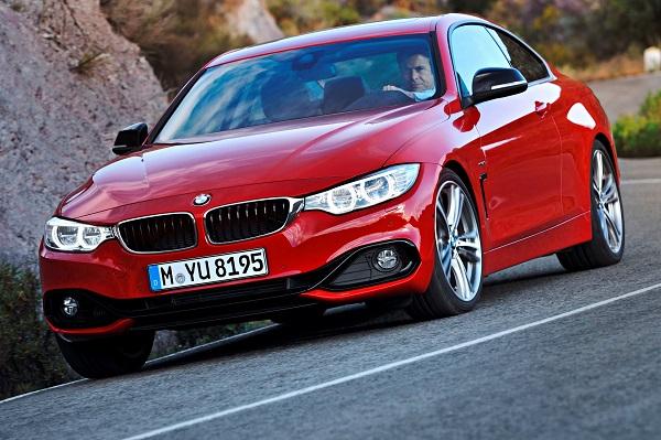 BMW 435i Coupé Sport Line, Melbourne Rot, 306 PS, 400 Nm, Interieur: Leder Dakota Schwarz, Alu Längsschliff fein, Akzentleiste korallrot matBMW-4-Serisi-Coupe_BMW-4-Coupe_BMW-4-Coupe-Test_Borusan-Otomotiv_otomobiltutkunut
