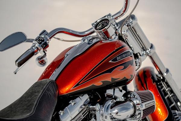 CVO-Breakout_Harley Davidson_otomobiltutkunu