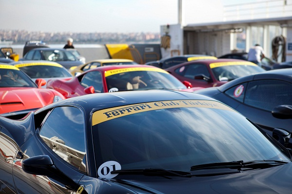 Ferrari Club Turkey_Fer Mas_Ferrari_Maserati_otomobiltutkunu_Tofaş_Alaçatı Port