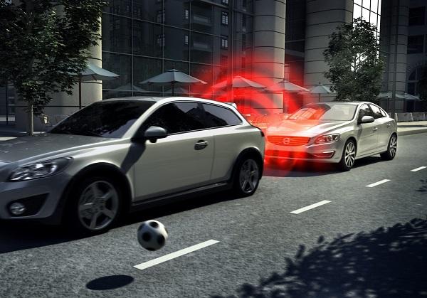 Volvo City Safety_Volvo Cars_Volvo S60_Volvo XC60_bernaylafem_otomobiltutkunu_Top Safety Pick_Volvo Car Group