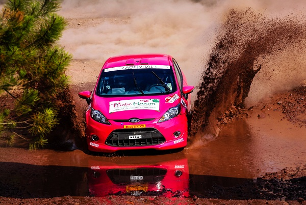 Photo Onur Ozan Sarikaya_Ford Fiesta Rally_istanbul rallisi_Castrol Ford Team Turkiye_PembeHanim_SerpilPak