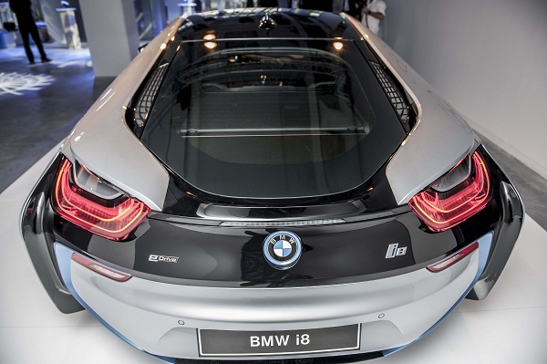 BMWi8_i8_BorusanOtoAtasehir_Borusan_Oto_Atasehir_BMW_MINI_Otomobiltutkunu