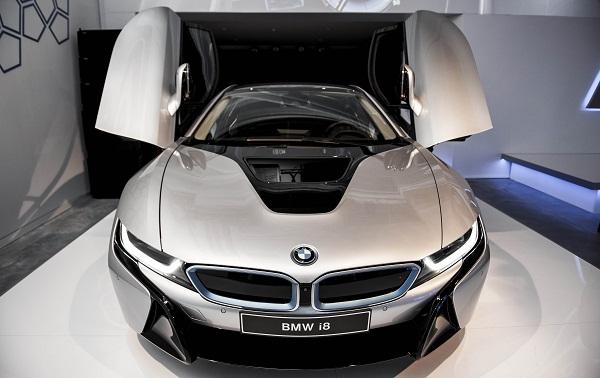 BMWi8_i8_BorusanOtoAtasehir_Borusan_Oto_Atasehir_BMW_MINI_Otomobiltutkunu_Canyas_iletisim