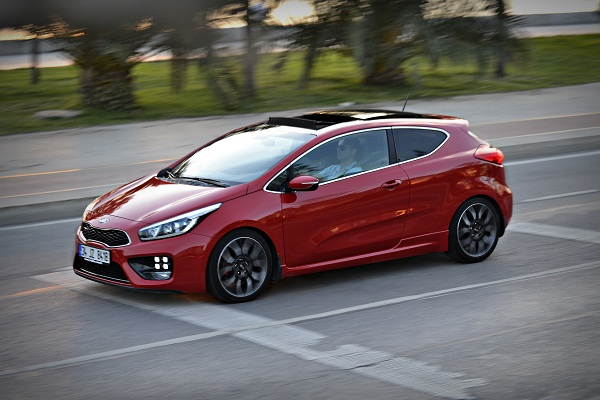 kia ceed gt test kia pro cee d gt 3dr road test review by. Black Bedroom Furniture Sets. Home Design Ideas