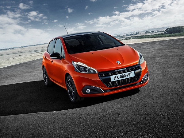Peugeot_208_Orange Power_Otomobiltutkunu_Cenevre