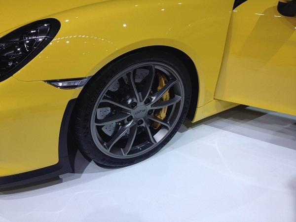 Michelin Pilot Sport Cup 2_Porsche Cayman GT4_Otomobiltutkunu