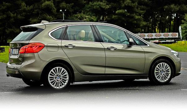 BMW 218i_Active Tourer