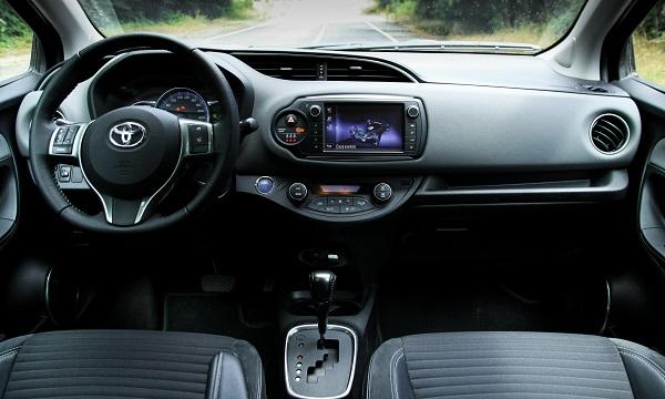 Toyota Yaris Hybrid Test 2015