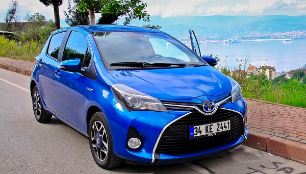 Toyota Yaris Hybrid Test Drive