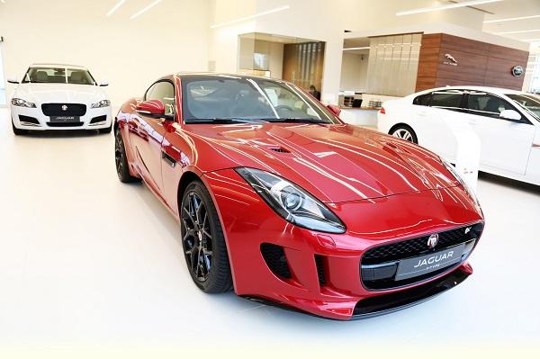 jaguar showroom_otomobiltutkunu