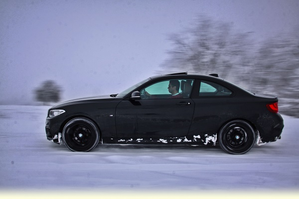 BMW 218i Coupe Test Snow Test