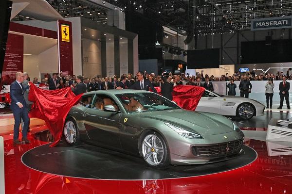 Ferrari GTC4Lusso Test