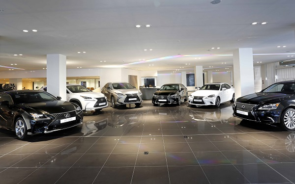 Lexus Showroom_Otomobiltutkunu