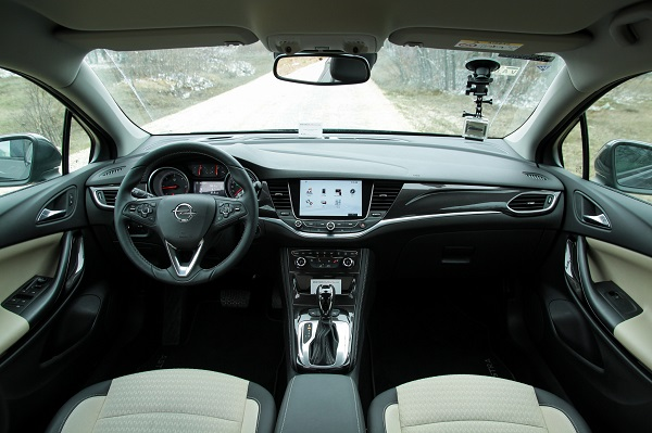 Opel Astra Test