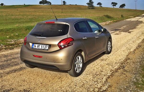 Peugeot 208 Test_Peugeot Active