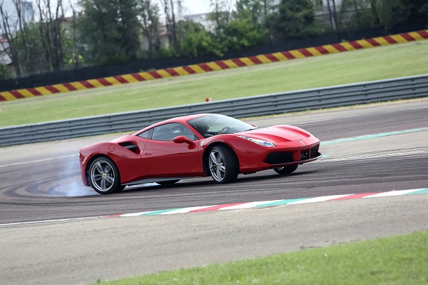 Ferrari 488 GTB Test