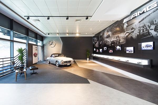 Mercedes-AMG Lounge 2016