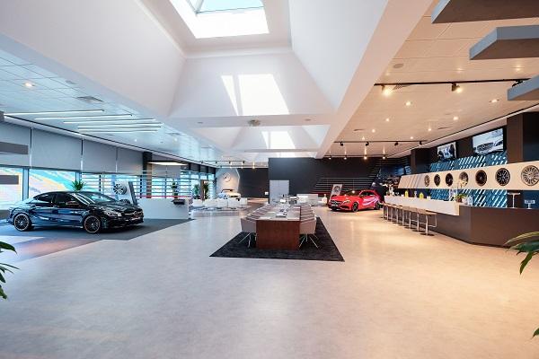 Mercedes-AMG Lounge_Otomobiltutkunu