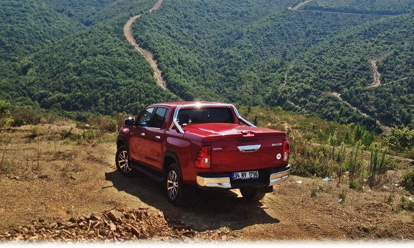 toyota-hilux-test-4x4-offroad