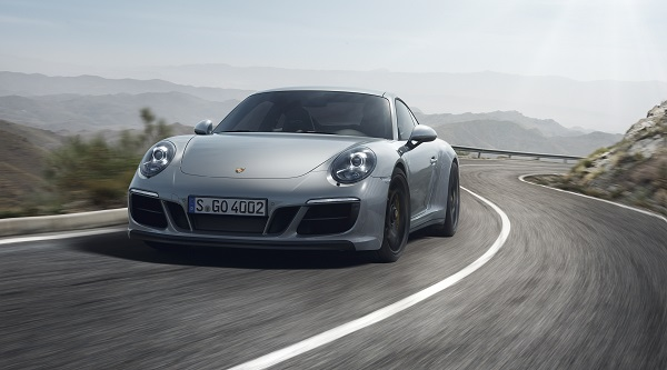 Porsche 911 Carrera 4 GTS Test