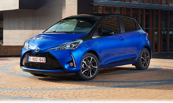 Toyota Yaris Hybrid istanbul Autoshow 2017 Otomobiltutkunu