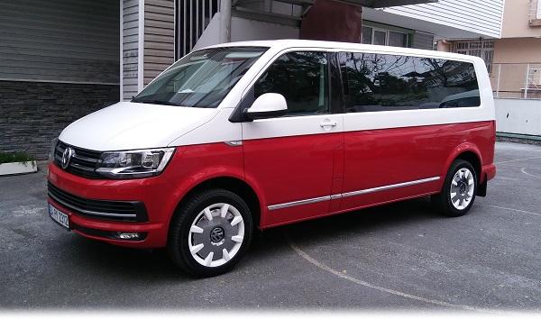 Volkswagen_Caravelle_Team