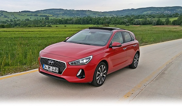 Hyundai Yeni İ30 CRDi Elite Plus Smart Test Dizel Otomatik Otomobiltutkunu