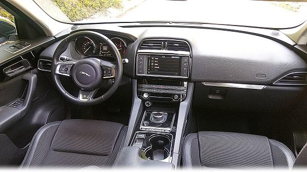 Jaguar F-Pace Test_Jaguar SUV F-Pace
