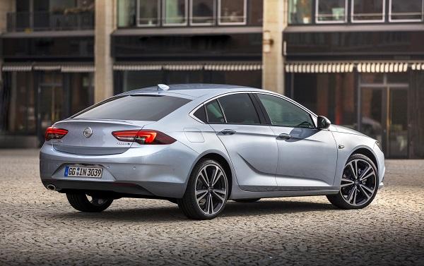 Opel-Insignia-Grand-Sport_Otomobiltutkunu