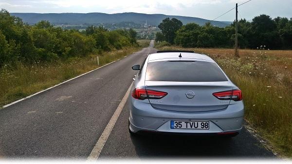 Opel Insignia Grand Sport OPC Line Test