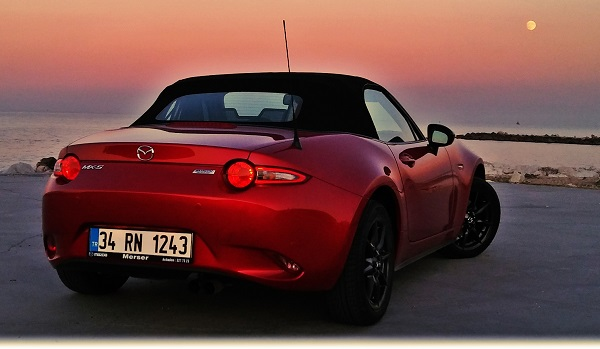 Mazda MX-5 Roadster Test_Skyactiv