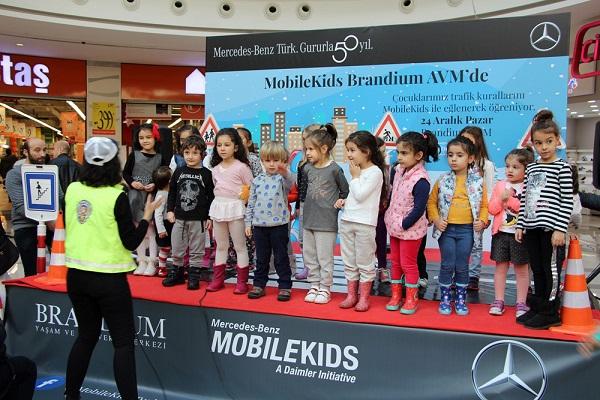 Mercedes-Benz Türk MobileKids Projesi Brandium Etkinliği_Otomobiltutkunu