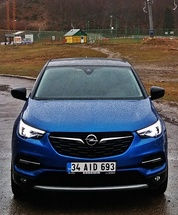 Opel Grandland X Test Day_Snow Test
