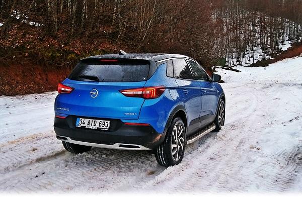 Opel Grandland X Test_SUV GrandlandX