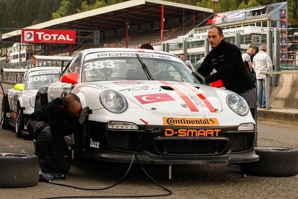 Go Motorsporları 2 Porsche 991 GT3 Cup SupercarChallenge_Otomobiltutkunu